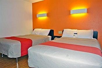фото Motel 6 Oshkosh 146717159