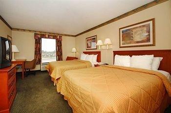 фото Comfort Inn Near Six Flags St. Louis 146809480