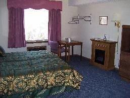 фото Carolyn`s Ozark Swiss Inn 147472887