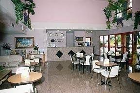 фото Comfort Suites Huntington Beach 148463591