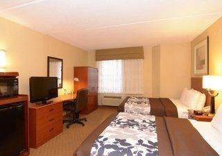 фото Sleep Inn & Suites 148478131