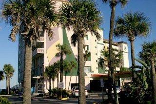 фото Harbour Beach Oceanfront Resort 148479375