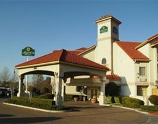 фото La Quinta Inn & Suites Fort Worth North 148485307