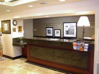 фото Hampton Inn Minneapolis Northwest Maple Grove 148488924