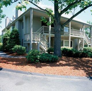 фото Centennial Inn Suites 149336506