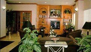 фото Comfort Suites at Metro Center Phoenix 151547876