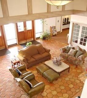 фото Crystal Inn Hotel & Suites-Cedar Ciity 151609147