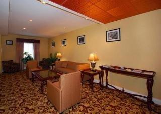 фото Holiday Inn Express Savannah Airport 151614387