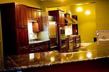 фото The Glendalia Boutique Hotel & Culinary Studio 1517956395