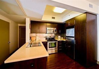 фото Hollywood Apartel 1518076312