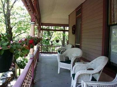 фото 5 Ojo Inn Bed & Breakfast 1518079788