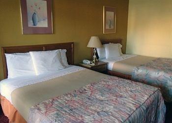 фото Rodeway Inn 1518097534