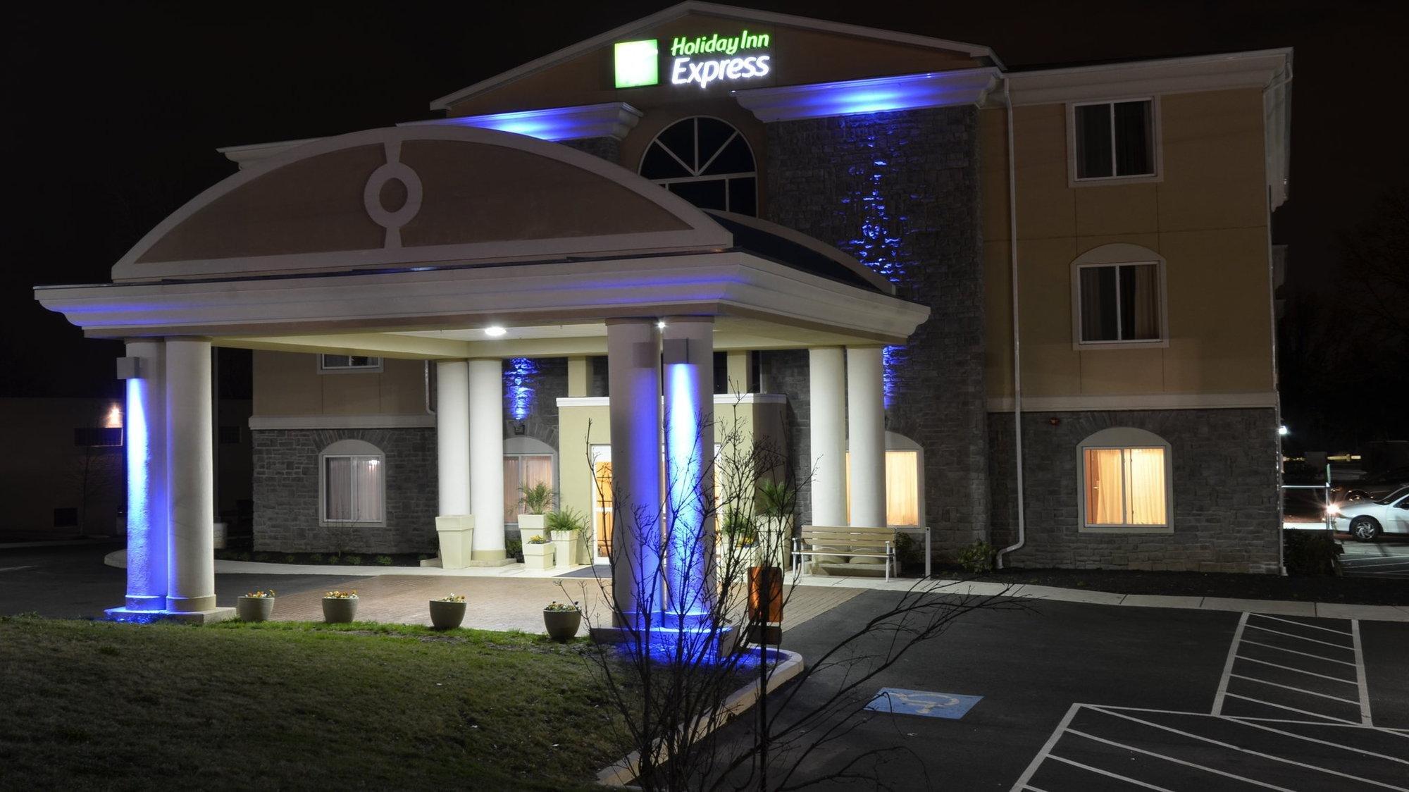 фото Holiday Inn Express Newington 1518113369