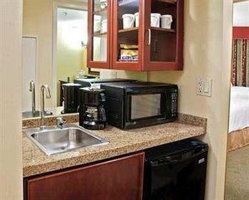 фото Embassy Suites Detroit - Troy/Auburn Hills 152393925