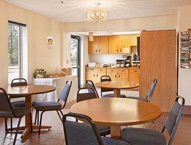 фото Super 8 Motel - Missoula/Reserve St. 1566064421
