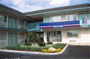 фото Motel 6 Lantana 1568050956
