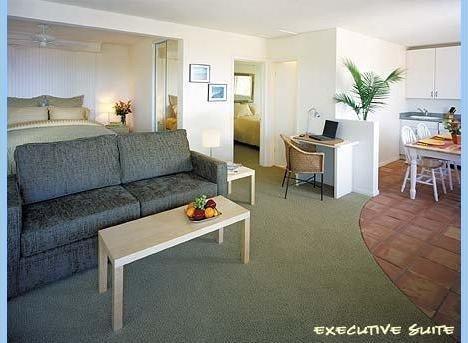 фото Sea View Inn at the Beach 1631739339