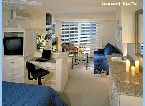 фото Sea View Inn at the Beach 1631739340