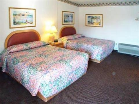 фото Cloverdale Oaks Inn 1638370094
