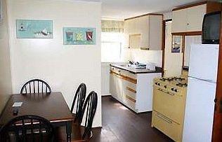 фото The Coast Village Inn Wells 1639794279