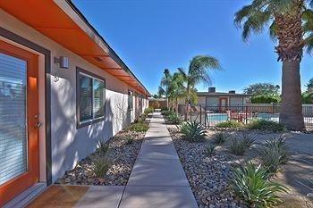 фото The Chuck Palm Springs 1651997940