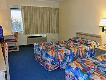 фото Route 50 Motel 1698068388