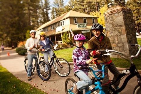 фото Camp Richardson Resort & Marina 1700360681