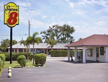 фото Super 8 Florida Cty Homestead 1702847429