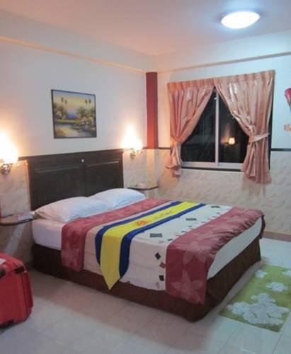фото Henry Apartment Pattaya 1724352342