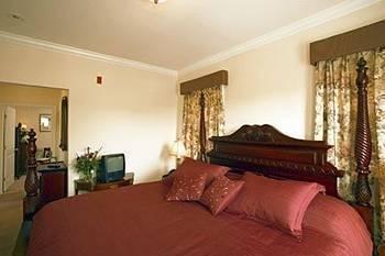 фото Almondy Inn 1724506111