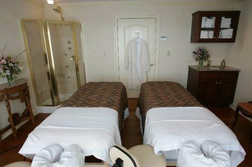 фото Water`s Edge Resort & Spa 1724556624
