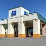 фото Econo Lodge Inn and Suites 227935578
