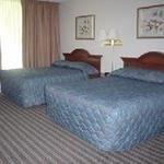 фото Americas Best Value Inn Lodge on the Green 227936032