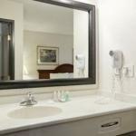 фото Baymont Inn & Suites - Pella 227955044