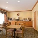 фото Best Western Plus Napoleon Inn & Suites 227965863