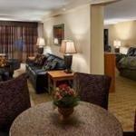фото Best Western Plus Bloomington Hotel 227968848