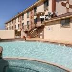 фото Carlsbad Super 8 Motel 227988357
