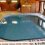 фото Econo Lodge West Hotel 228022803