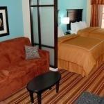 фото Comfort Suites Topeka 228028360
