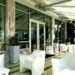 фото Crest Hotel Suites 228048078