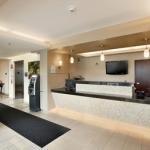 фото Days Inn and Suites Milwaukee 228061424
