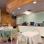 фото Days Inn Pensacola - Historic Downtown 228066314