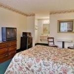 фото Days Inn & Suites Pine Mountain-Maingate N Of Callaway Garde 228081874