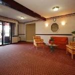 фото Ambassador Inn & Suites 228108062