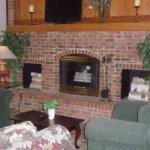 фото Econo Lodge & Suites 228109339