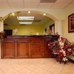 фото Econo Lodge & Conference Center 228109856