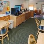 фото Econo Lodge Inn And Suites 228112373