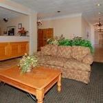 фото Econo Lodge Inn & Suites Downtown 228113396