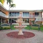 фото Quality Inn & Suites Hollywood Boulevard 228113541