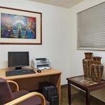 фото Hawthorn Suites by Wyndham Tempe 228271330